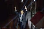 Emmanuel Macron, candidat du mouvement En Marche! à la présidentielle 2017, parle devant la presse et ses supporters au Carrousel du Louvre à Paris, dimanche 7 mai 2017 - 2017©Jean-Claude Coutausse / french-politics pour Le Monde