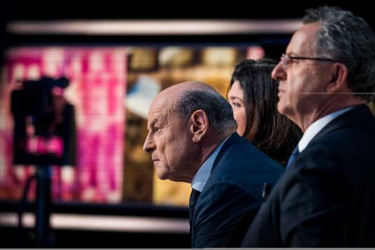 Jean-Marie Le Guen assiste au débat du second tour de la présidentielle, sur le plateau de TF1, en présence de Richard Ferrand, le 7 mai.