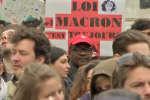 Une manifestation contre la « politique anti-sociale » d'Emmanuel Macron, tout juste élu président de la République, s'est tenue lundi 8 mai à Paris.
