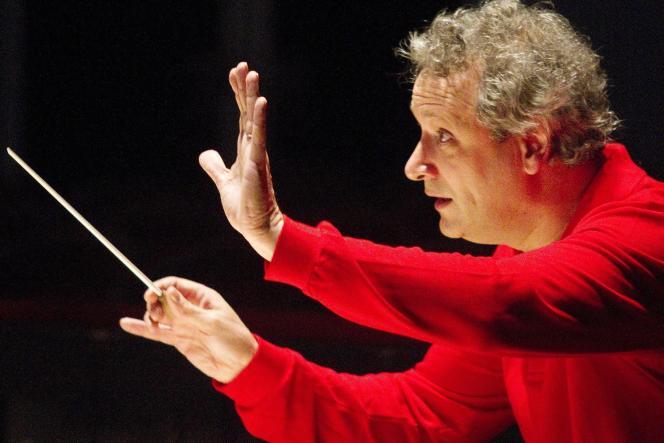 Le chef d'orchestre français Louis Langrée, en mai 2012.