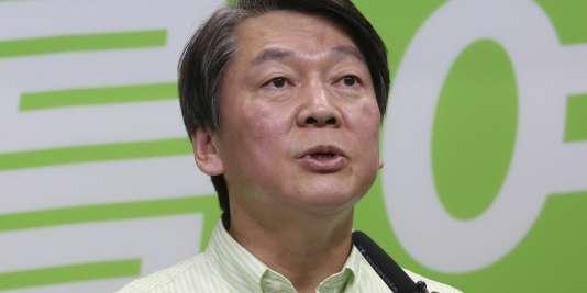 Le candidat du Parti du peuple Ahn Cheol-soo, le 8 mai 2017.