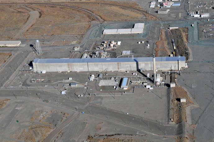 Le bâtiment d'extraction de plutonium et d'uranium, désaffecté depuis vingt ans mais encore très pollué, près duquel l'effondrement du tunnel a eu lieu.