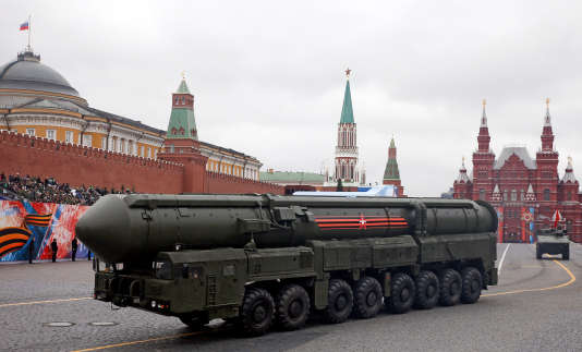 Un missile balistique intercontinental sur la place Rouge, lors de la célébration de la fin de la seconde guerre mondiale à Moscou, en Russie, le 9 mai 2017.