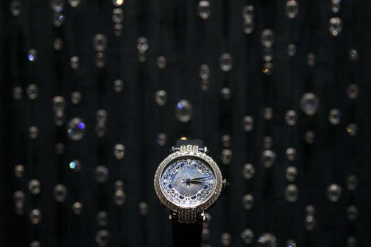 Une montre sur le stand d'un fabricant américain, le 22 mars 2017, à Bâle, en Suisse.