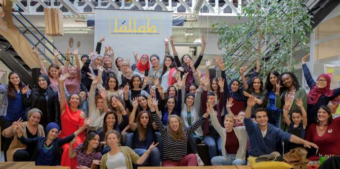 L'équipe de Lallab dans leurs locaux à Ivry-Sur-Seine, en 2016.