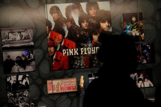 Vue de l'exposition «The Pink Floyd Exhibition: Their Mortal Remains»au Victoria & Albert Museum à Londres, le 9 mai.