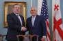 Le premier ministre géorgien, Guiorgui Kvirikachvili, reçu par le secrétaire d'Etat américaine, Rex Tillerson, à Washington, le 9 mai.