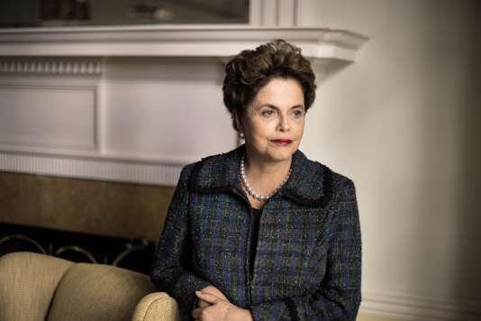 Dilma Rousseff (ici, le 8 avril 2017),première femme présidente depuis la fin de la dictature militaire, a étélimogée à la suite d'accusations de manipulations comptables.