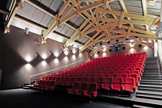 Installé dans un ancien manège à chevaux du XIXe siècle, le cinéma Caroussel, à Verdun, a reçu le Grand Prix de la salle innovante 2016.