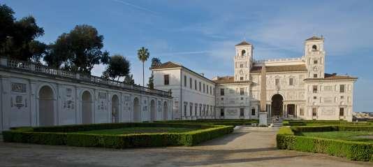 L'entrée de la Villa Médicis-Académie de France, à Rome.