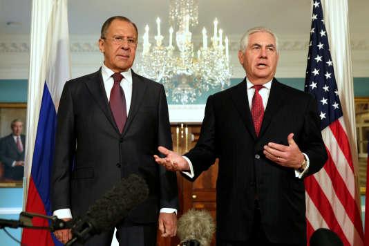 Sergueï Lavrov et Rex Tillerson, le 10 mai à Washington.