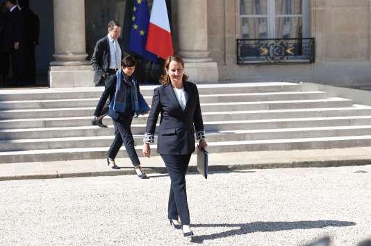 Ségolène Royal, à la sortie du dernier conseil des ministres du quinquennat de François Hollande, mercredi 10 mai.