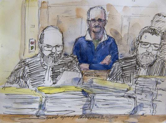 Francis Heaulme, 58 ans, a déjà été condamné pour neuf meurtres, dont deux fois à la perpétuité, pour ceux d'une adolescente et d'un enfant de 9 ans. Il a obtenu un non-lieu et un acquittement dans deux autres affaires.