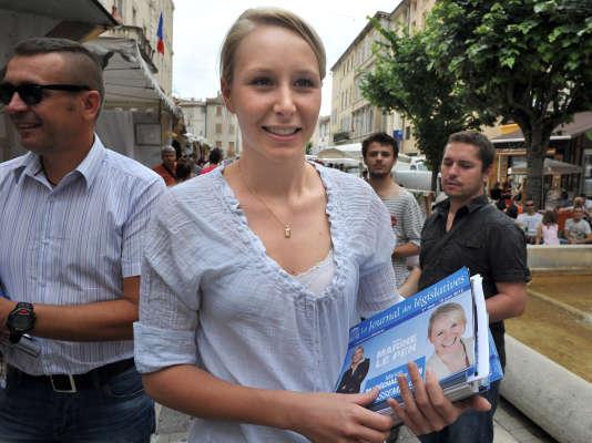 Marion Maréchal-Le Pen, lors de sa première campagne législative, dans la troisième circonscription de Vaucluse, à Carpentras, le 8 juin 2012.