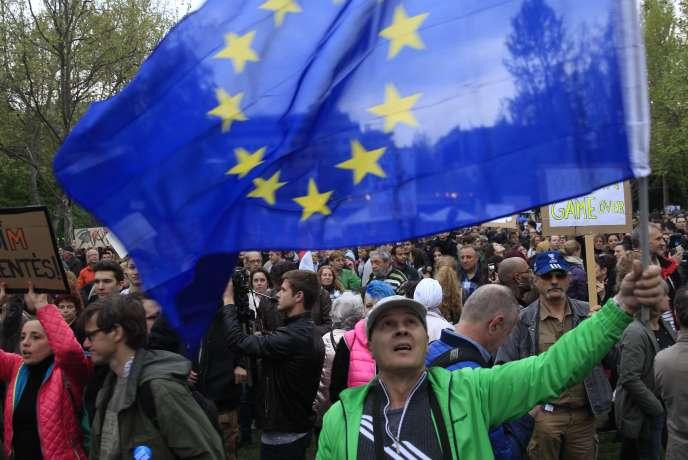 « L'Europe n'existera réellement que lorsque les Européens parviendront à se reconnaître en elle» (Photo: lors d'une manifestation à Budapest, en Hongrie, le 15 avril).