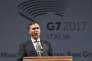 Le ministre des finances canadien, William Morneau, parle à l'ouverture du G7 à Bari, Italie, le 11 mai.