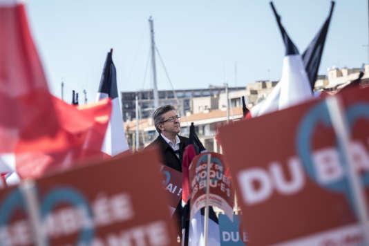 Jean-Luc Mélenchon, lors de son meeting sur le Vieux Port, à Marseille, le 9 avril.
