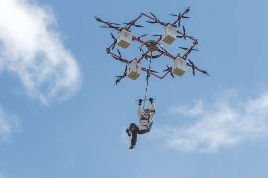Le drone d'Aerones se compose d'un ensemble de quatre quadricoptères.