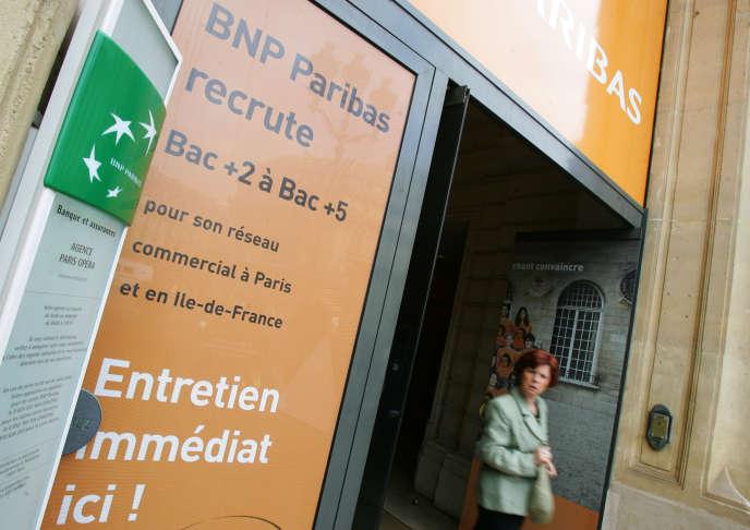 BNP Paribas fait appel à des collaborateurs disposant d'une première expérience dans «l'hôtelletie, l'enseignement ou le, journalisme »