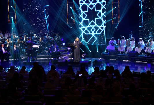 Le chanteur saoudien Rachid Al-Madjid en concert à Riyad, le 9 mars 2017.