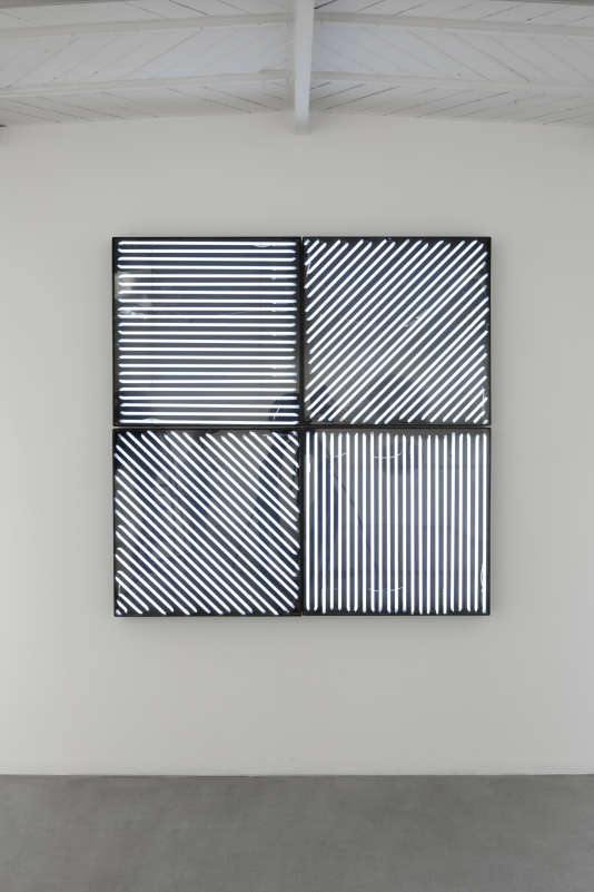 L'une desœuvres présentées dans le cadre de l'exposition«Cholet-New York. François Morellet with Ellsworth Kelly, Sol LeWitt, Fred Sandback, Frank Stella» à Paris.