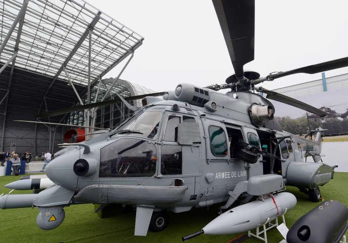 En octobre2016, le gouvernement polonais avait rompu les négociations avec le groupe Airbus sur un contrat de trois milliards d'euros portant sur l'achat de cinquante hélicoptères Caracal.