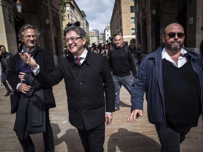 Jean Luc Mélenchon à Marseille pour déclarer sa candidature dans la 4eme circonscription le 11 mai.