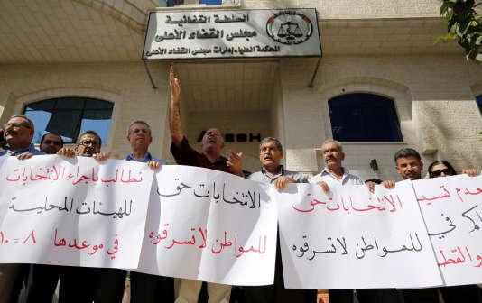 Manifestation à Ramallah, le 21 septembre 2016, pour s'opposer au report des élections locales initialement prévues en octobre.