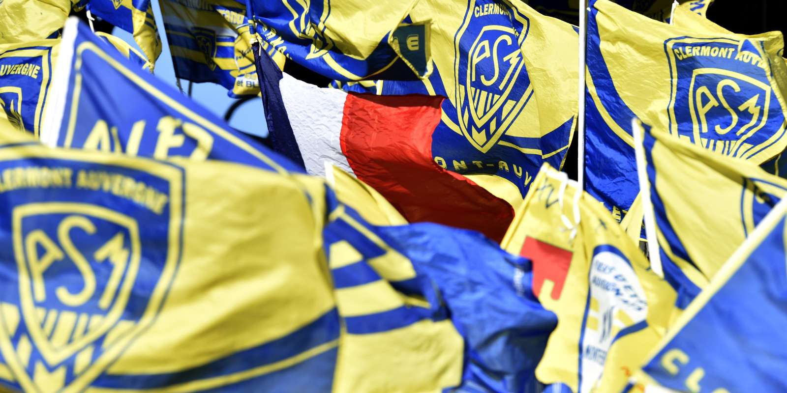 Les supporteurs de Clermont lors du match face à Leinster, le 23 avril.
