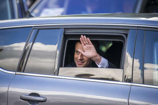 Le nouveau président de la république, Emmanuel Macron, est reçu à la Mairie de Paris par la maire Anne Hidalgo, dimanche 14 mai.