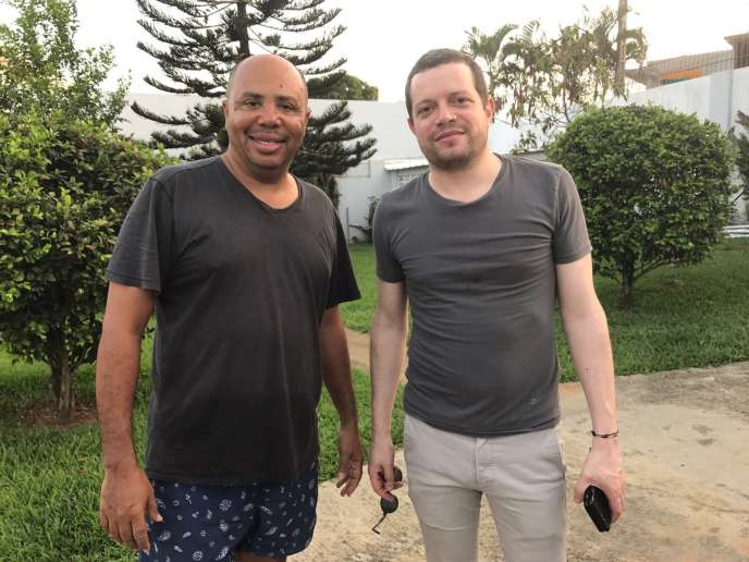 José Da Silva, de Sony (g.) a découvert Cesaria Evora, Romain Bilharz, d'Universal (dr.) a produit la tournée africaine de Stromae. Tous deux sont désormais voisins à Abidjan pour découvrir de nouveaux talents sur le continent.