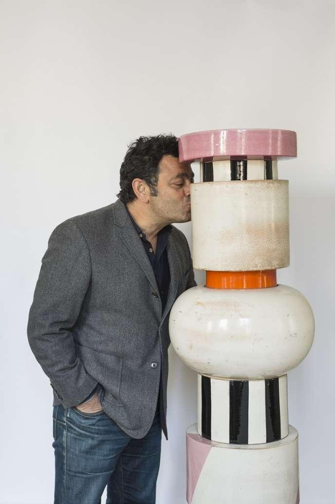 L'architecte Charles Zana et le Totem d'Ettore Sottsass«Menhir, Zigurat, Stupas, Hydrants & Gas Pumps », de 1967.