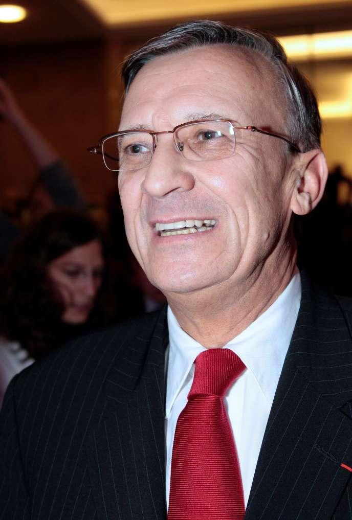 Il entre à l'Assemblée nationale en 1986 sous l'étiquette UDF-CDS et restera député de la 2e circonscription de Haute-Savoie sans discontinuer jusqu'en 2007.