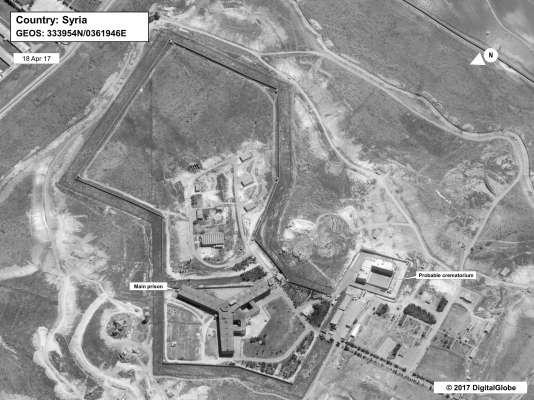 Vue de la prison de Saydnaya (Syrie) et du «probable crématorium» (à droite sur l'image).