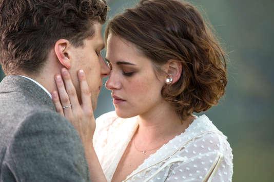 Jesse Eisenberg et Kristen Stewart.