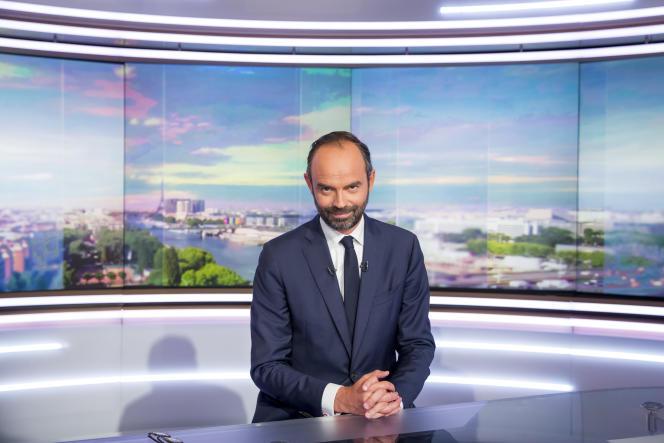 Le premier ministre Edouard Philippe sur le plateau de TF1 quelques heures après sa nomination, à Boulogne le 15 mai.