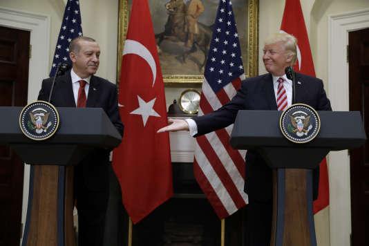 Les présidents américain Donald Trump et turc Recep Tayyip Erdogan lors d'uneconférence à la Maison Blanche, le 16 mai.