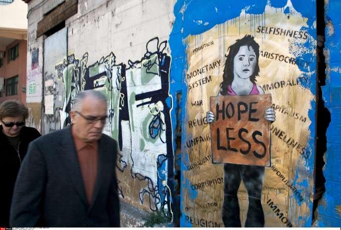 Des graffitis dans une rue d'Athènes.