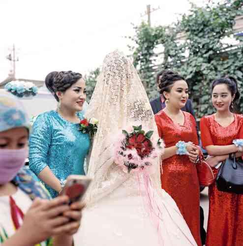 Un mariage traditionnel à Hotan.
