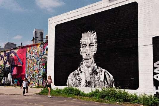 Grâce au graffeur Gonzo, East Downtown reprend des couleurs et de la vie.