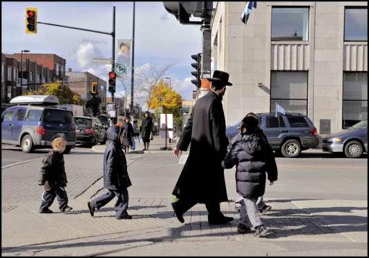 Les membres de la communauté ultraorthodoxe Tash, au Québec, ne parlent ni français ni anglais, uniquement le yiddish.
