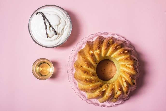 Un baba, de la chantilly et du rhum pour un dessert plus élégant qu'à l'accoutumé.