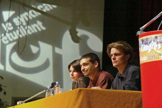 78e Congrès de l'UNEF en 2003 à Lyon. De gauche à droite,la secrétaire générale Tania Assouline, le président Yassir Fichtali et le président de l'Association générale étudiante de Lyon, Bruno Julliard.