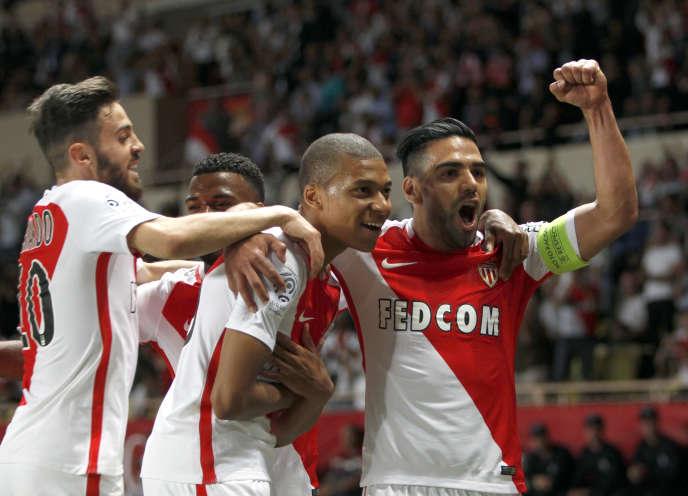 Kylian Mbappé célèbre son but face à Saint-Etienne au Stade Louis-II le 17 mai.