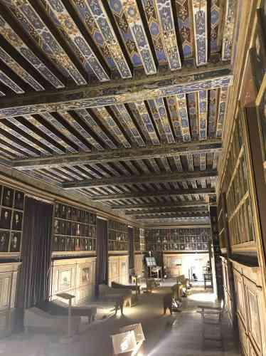 L'une des pièces maîtresses de Beauregard : la galerie des Illustres et ses 327portraits.