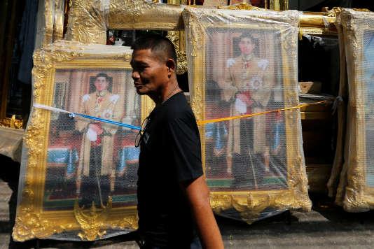 Des portraits du roiRama X.