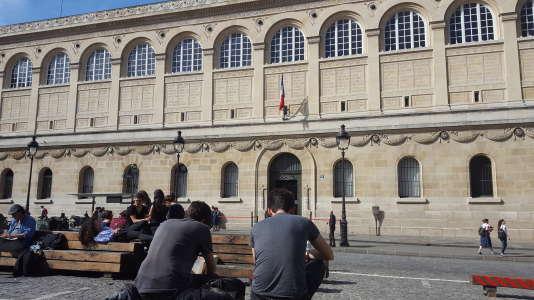 Bibliothèque Saint-Geneviève, à Paris.