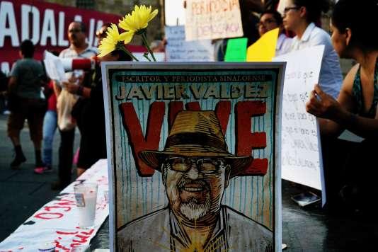 Des journalistes manifestent, à Guadalajara, le 16 mai, contre les violences les visant, après l'assassinat de l'un de leurs confrères, Javier Valdez.