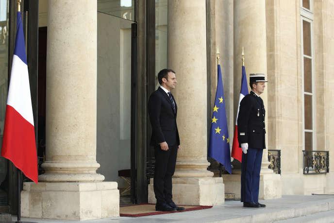 Le président Emmanuel Macron au palais de l'Elysée le 16 mai.
