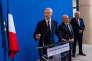 Bruno Le Maire, ministre de l'économie, lors de la passation des pouvoirs avec son prédécesseur Michel Sapin, à Paris le 17 mai.